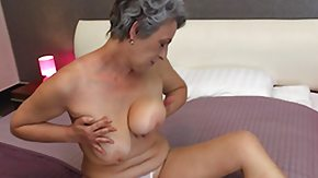 Free Saggy HD porn granny licks her saggy bumpers