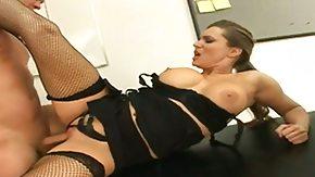 HD Elle Cee Sex Tube Brunette Elle Cee givesdude the handjobof his dreams