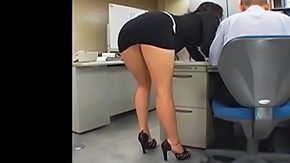 HD A babe wearing miniskirt is having high chances to get laid tonight