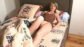 HD Amateur Wife tube Artless wife gets fucked in butt anal blonde from behind thrashing lingerie camera skinny stockings infant 30yo sofa bedroom doggy housewife kitchen reality