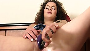 HD Beads Sex Tube Richie uses a tingling dildo and her pussy beads on her clammy muff