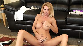 Free Reach Around HD porn Brooke suggests lusciuos female and does a reach around then squats to finger