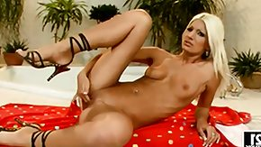 Jessy Wynn High Definition sex Movies Blonde Jessy Wynn with massive knockers needs nothing but